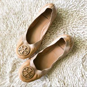 TORY BURCH Caroline tan patent leather ballet flat